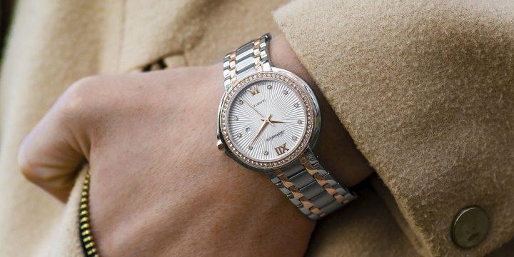 Skab sammenhæng i dit outfit med et armbåndsur
